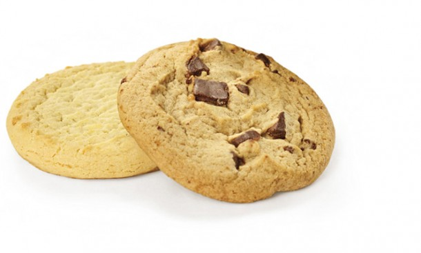 cookie (AmE) / biscuit (BrE)